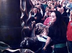 Paolo VI, le foto storiche della staua di Floriano Bodini