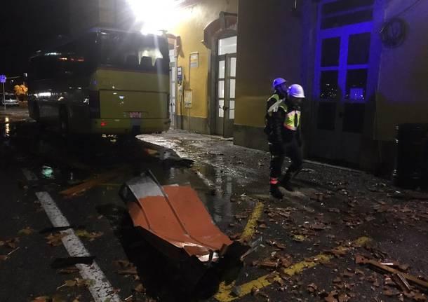 Porto Ceresio, crolla il tetto del Bar della Stazione