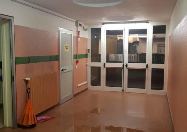 scuola primaria allagata a Cislago