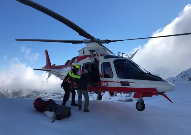 elicottero vigili del fuoco salvataggio montagna