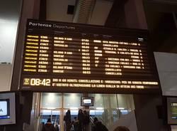 Guasto a un treno a Varese, cancellazioni e ritardi