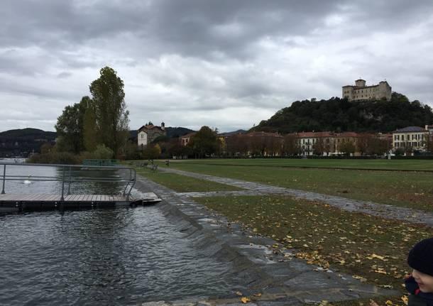 Il lago dopo la pioggia ad Angera e Ranco