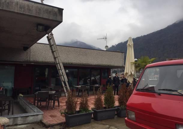 Incidente sul lavoro a Cuveglio, artigiano cade e picchia la testa