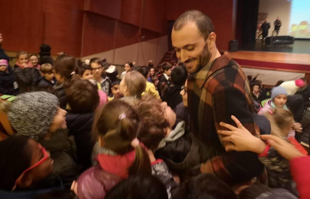 Ivan Basso incontro gli alunni per la campagna per la sicurezza stradale