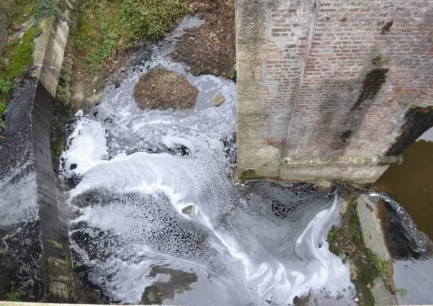 La fogna nell'Olona a Castellanza