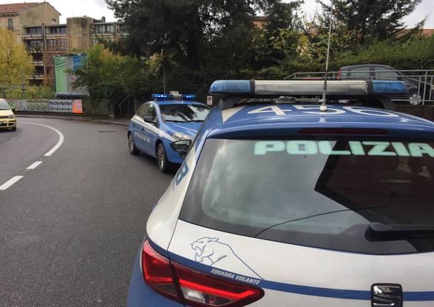Polizia in via Nino Bixio