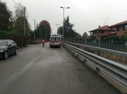 Strada chiusa a Venegono Inferiore tentato suicidio