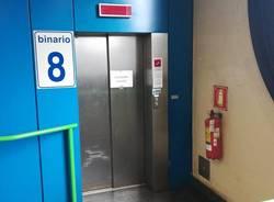 ascensore metropolitana fuori servizio