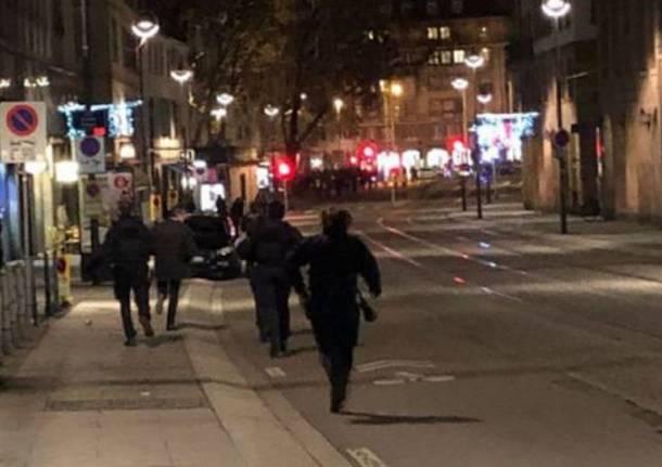 Lutto per le vittime di Strasburgo  la Città dei balocchi si spegne ... 71f6cb1c4ac6