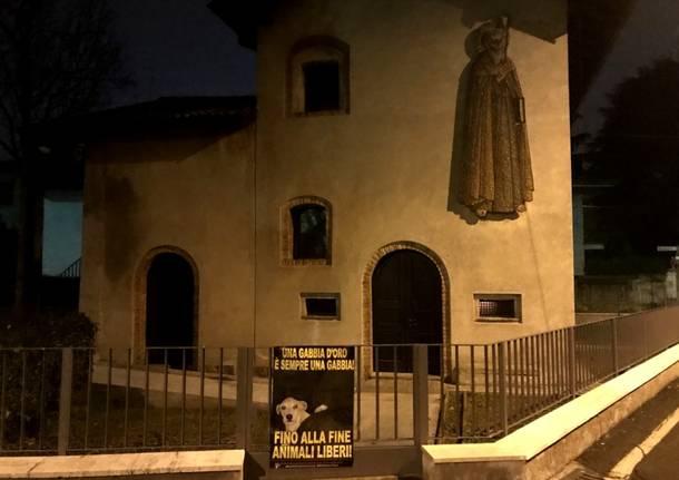 Blitz animalista alla chiesetta di Sant\'Antonio