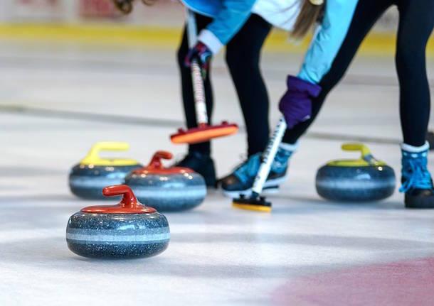 Il curling sbarca in città: appuntamento al PalAlbani