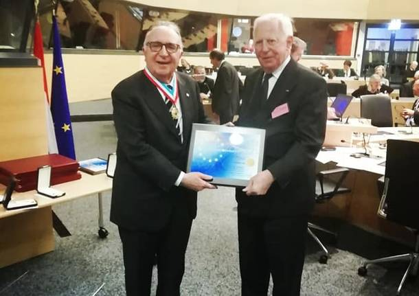 Edoardo Zin premiato a Bruxelles con la medaglia d'oro al merito europeo