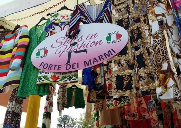 Gli ambulanti di Forte dei Marmi a Legnano