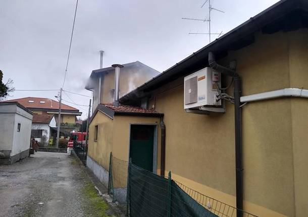 Incendio in pizzeria a Besnate