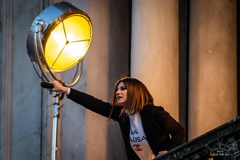 Pausini presenta il nuovo disco a Milano