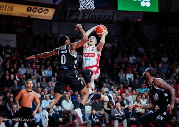 basket pallacanestro varese segafredo bologna