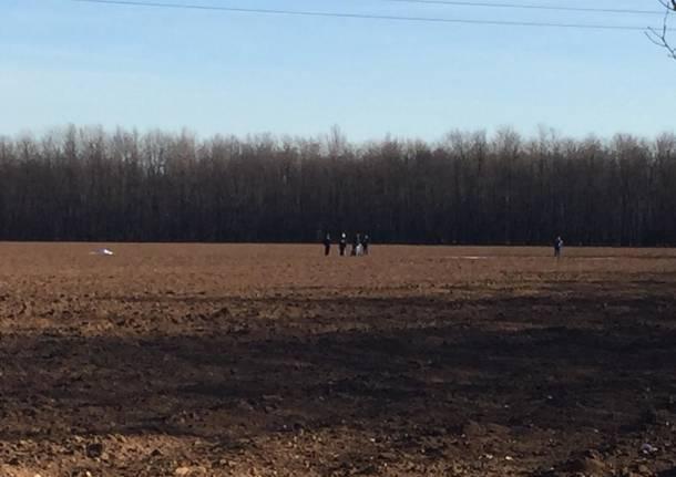 Trovato un cadavere in un campo a Rescaldina