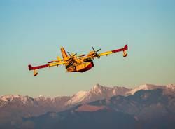 Canadair in azione, lunedì 7 gennaio 2019 - Foto di Matteo Canevari