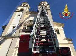 Luino, intervento dei vigili del fuoco nella chiesa di Moncucco