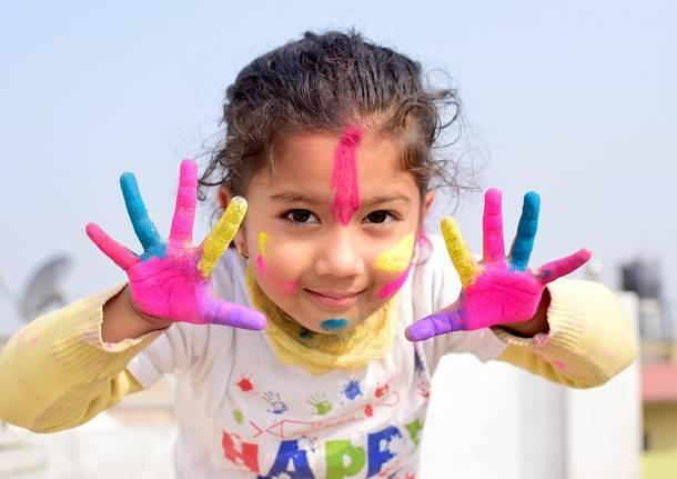 bambini colori laboratori