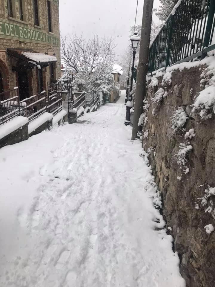 La neve in cima al Sacro Monte