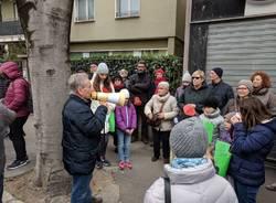 Grande partecipazione per la manifestazione contro il taglio dei bagolari