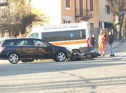 incidente auto moto gavirate