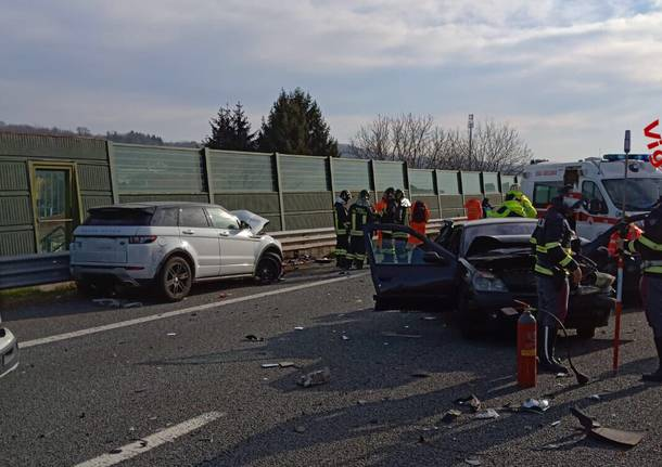 Incidente stradale tra Besnate e Gallarate autostrada A26