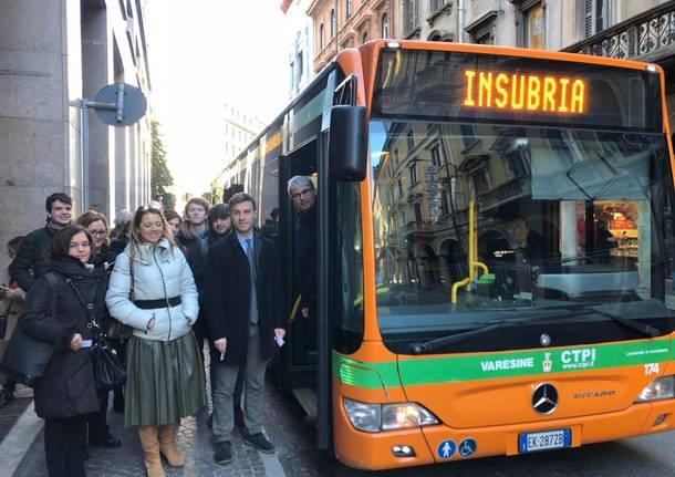 nuovo pullman dedicato agli studenti dell'Insubria