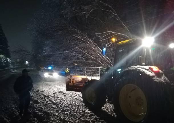 Protezione civile del Piambello impegnata per l'emergenza neve
