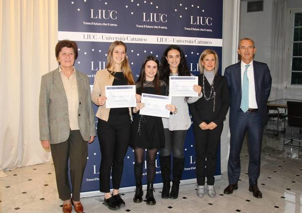 b65ab5ffb3 Premiati i migliori studenti castellanzesi della Liuc, tutte donne