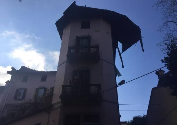Il vento strappa il tetto del circolino di Bosto