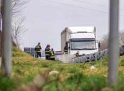 camion autostrada fuoco