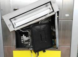 Colpo allo sportello bancomat delle Poste