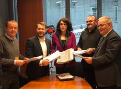 consegna della raccolta firme a Monti e Brianza