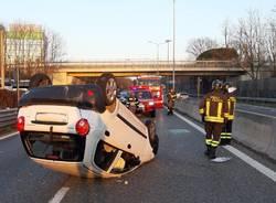 ribaltamento auto superstrada malpensa