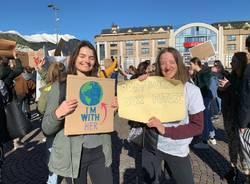 Gli studenti della Scuola Europea manifestano per l'ambiente
