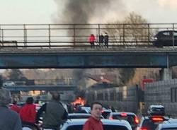 incendio auto a8