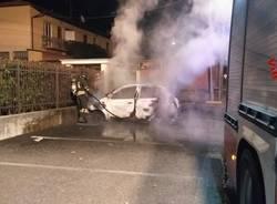 incendio auto cuveglio