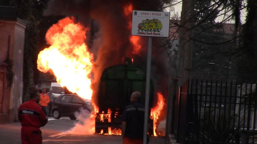 incendio camion gorla minore