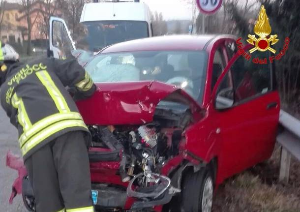 Incidente frontale sulla Sp1