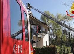 Vigili del fuoco in azione a causa del vento