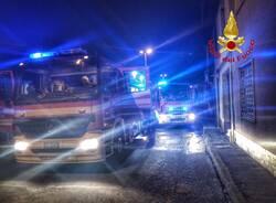Due auto a fuoco in via ticino nerviano incendio vigili del fuoco  2