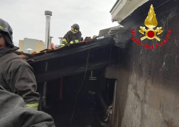 Intervento in via Piave per incendio nel sottotetto