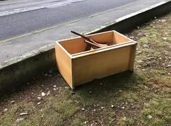 abbandono rifiuti a Comerio