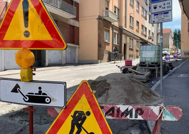 Cominciano le asfaltature, chiusa via Leonardo da Vinci