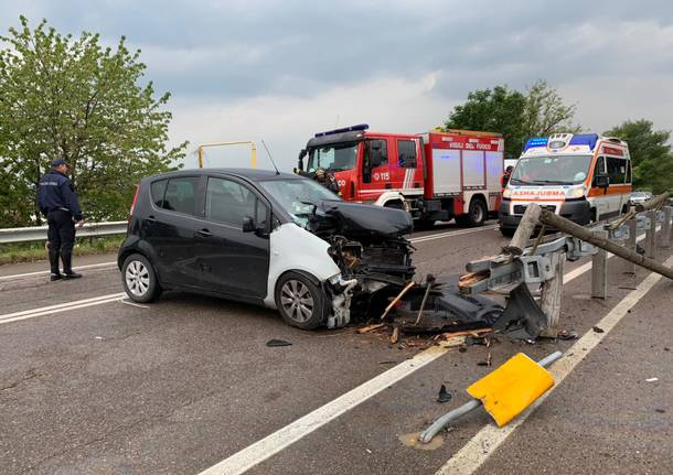 Incidente in viale Piero Chiara