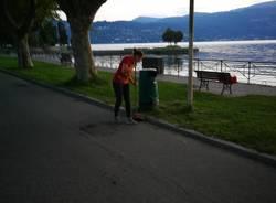 Cerro, i cittadini puliscono spiaggia e lungolago