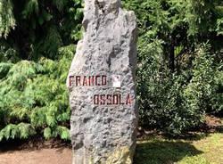 cippo dedicato a franco ossola
