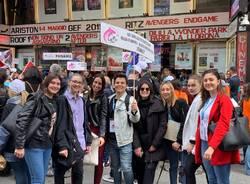 studentesse al festival della creatività studentesca di Sanremo